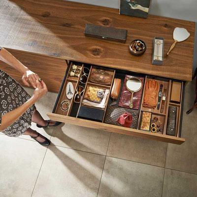 Schubkasteneinteilung in Holzdesign