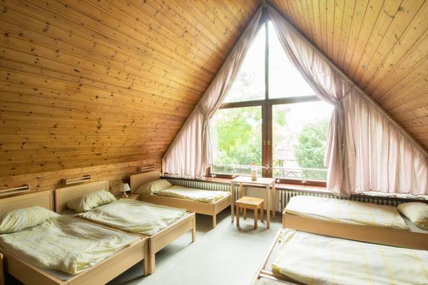 Giebelzimmer mit reichlich Platz