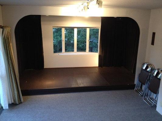 定員25名、舞台は4畳のミニマム劇場