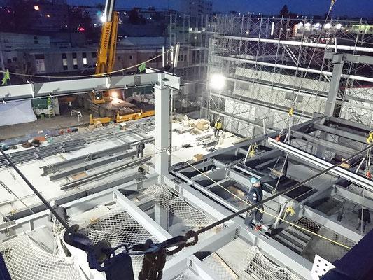 H30.12.6 基礎工事が完了し、鉄骨建方が始まりました