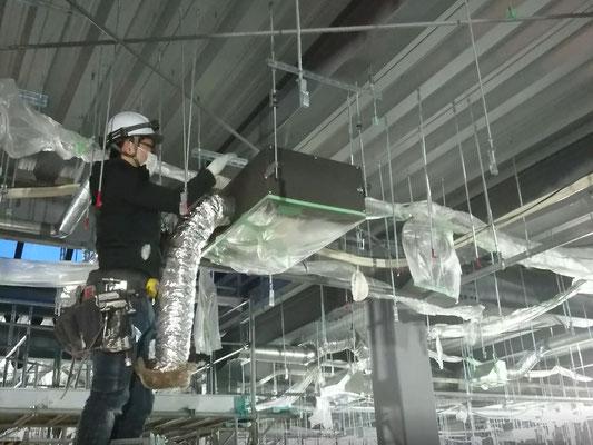 H31.1.16 2階フロア天井配管施工の様子です