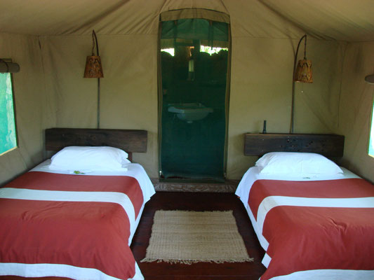 Eine Nacht haben wir in diesem Camp verbracht