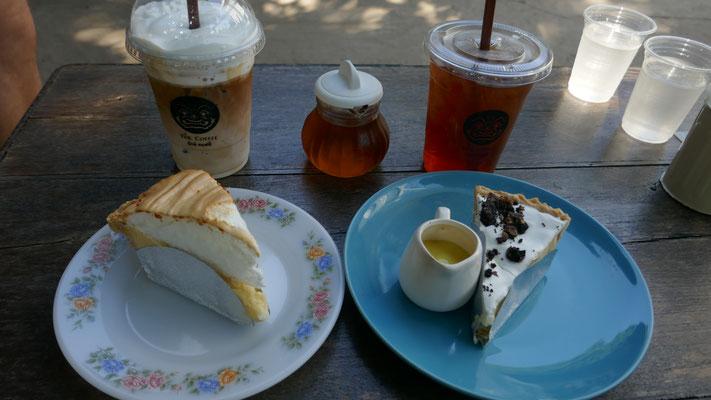 Zurück in Chiang Mai: An jeder Ecke gibts Kaffee und Kuchen