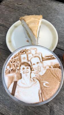 ... und Iced Cappuccino mit unserem Foto, der Hammer