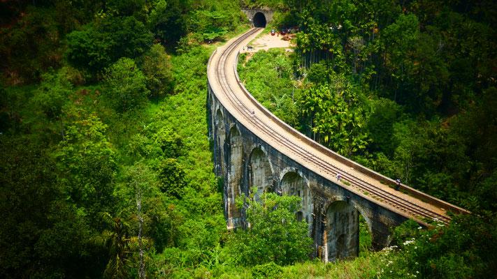 Die wunderschöne Nine Arches Bridge bei Ella