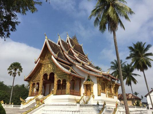 Neben dem Königspalast: Der Tempel Haw Pha Bang