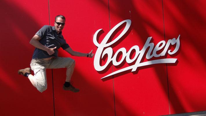 Vor der Coopers Brewery in Adelaide, Australien 2012