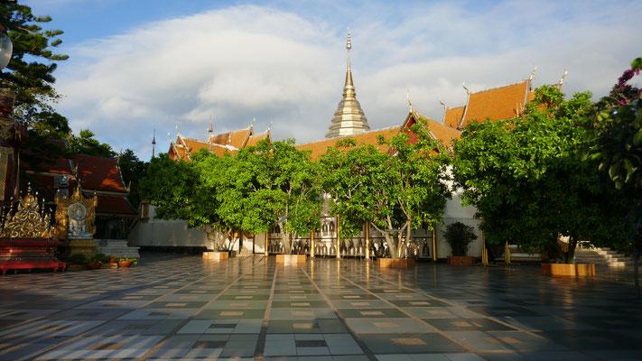 In der Doi Suthep Tempelanlage