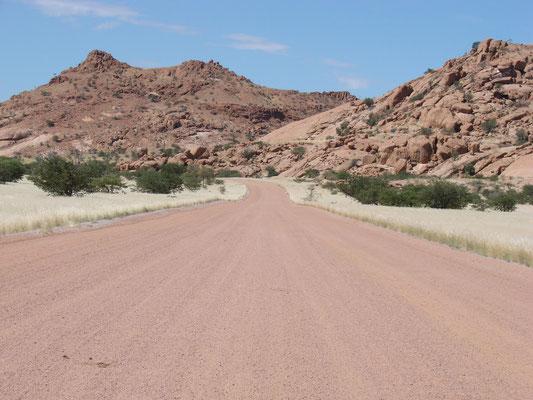 Unsealed road: zum Glück haben wir einen 4WD!