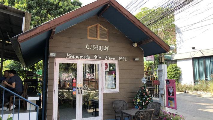 Im besten Coffee Shop in Chiang Mai: Hier gibt den besten Apple Pie und Kokoskuchen....