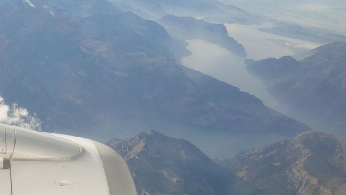 Über den Schweizer Bergen