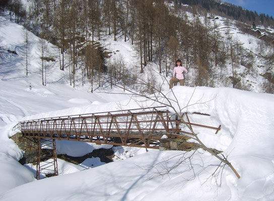 PONTE DI SAN BERNARDO SUL VOGNA COPERTO DA 2 METRI DI NEVE - 31.01.2009