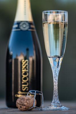 Un plan coupé ou la marque est secondaire par rapport au champagne