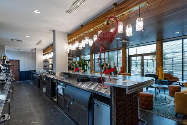 """Vu côté """"service"""" pour mise en avant des différents éléments conçus sur mesure par le cuisiniste"""