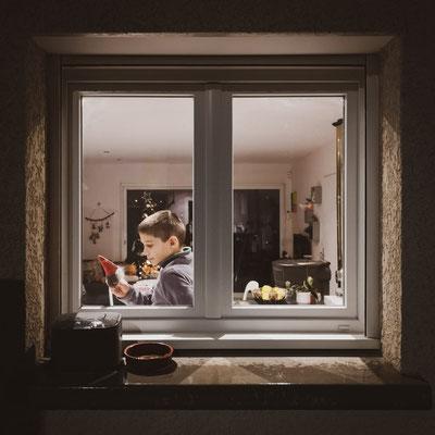 Calendrier de l'avent photo décembre 2020 thème : par la fenêtre