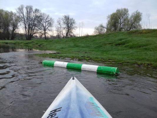 Bober (grün) auf Backbord