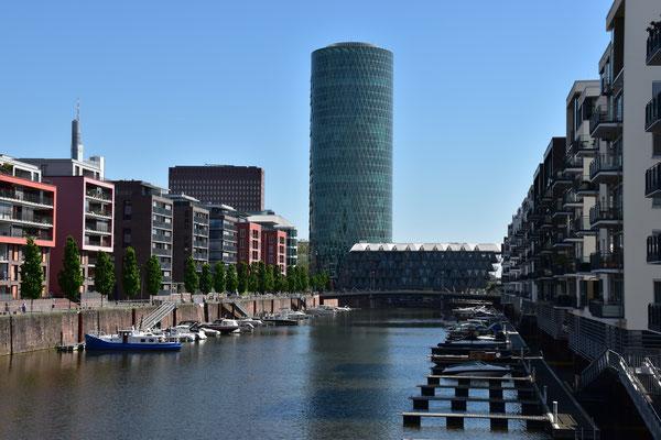 Bild: H. Seifert - Frankfurt am Main, Westhafen Tower, Flughafentransfer, Airport-Transfer