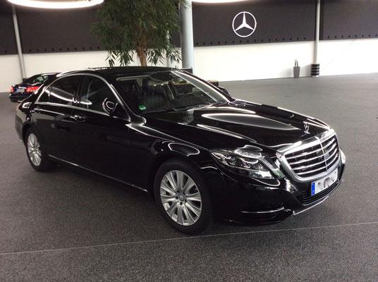 Mercedes S-Klasse, Frankfurt, Limousinenservice, Chauffeurservice, Limousinen-Service, Chauffeur-Service, Flughafentransfer, Airport-Transfer