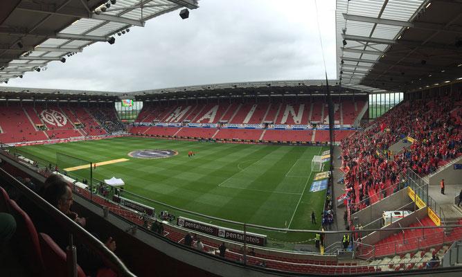 Bild: H. Seifert - Mainz, Stadion