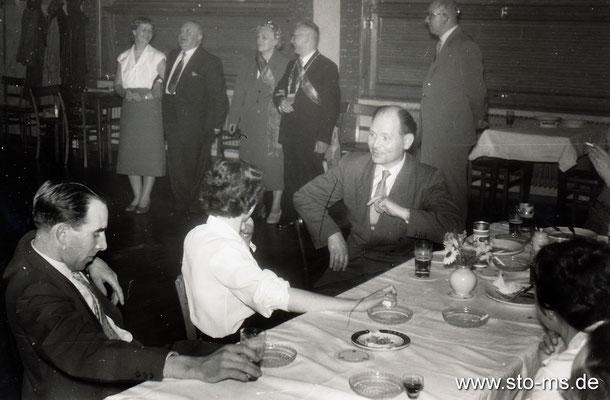 Ausflug des Stadtseueramtes nach Nienberge - 1950er Jahre