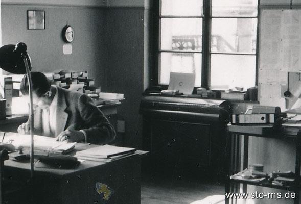 Im Büro 1965er Jahre