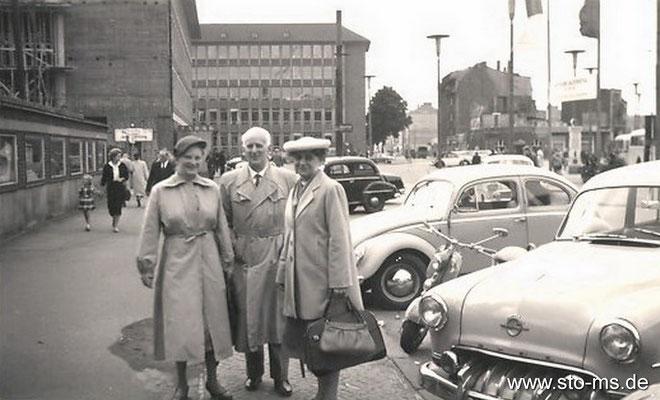 Am Bahnhof um 1955