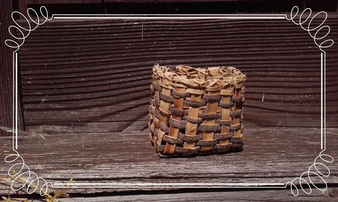 Korb aus Baumrinde
