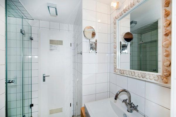 Bereich B, Dusche