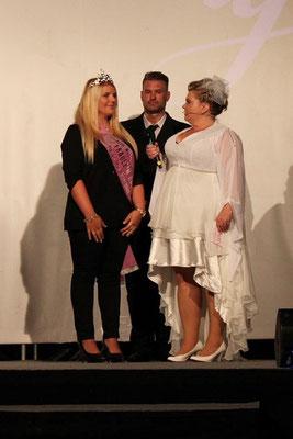 Fräulein Kurvig 2014, Romy Penk, war gekommen, um ihre Nachfolgerin zu begrüßen.