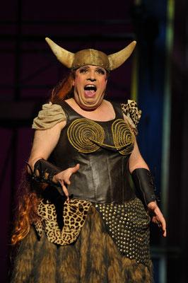 Viva La Mamma - Pfalztheater Kaiserslautern (Regie Anatol Preissler)