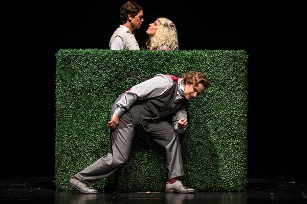 ©DERDEHMEL/Urbschat_Adel_verpflichtet_Schlosspark_Theater_Regie_Anatol_Preissler