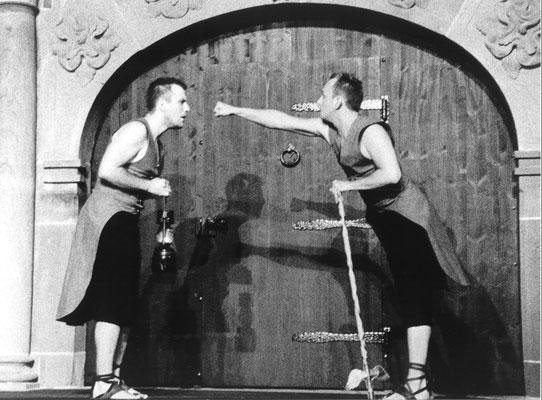 Amphitryon - Wallgraben Theater Freiburg (Regie Anatol Preissler)