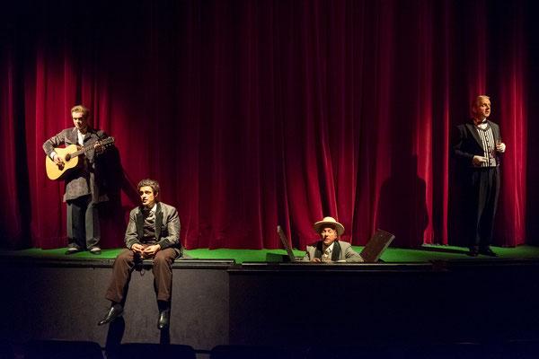 Bunbury - Ernst Deutsch Theater Hamburg © Oliver Fantitsch (Regie Anatol Preissler)