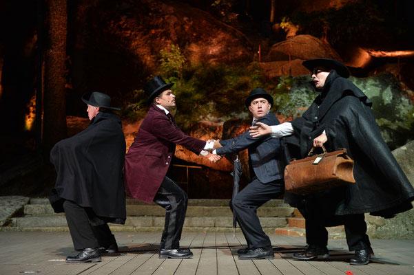 """""""Sherlock Holmes & Der Tod des Bayernkönigs"""" (Regie Anatol Preissler) Luisenburg Wunsiedel © Florian Miedl"""