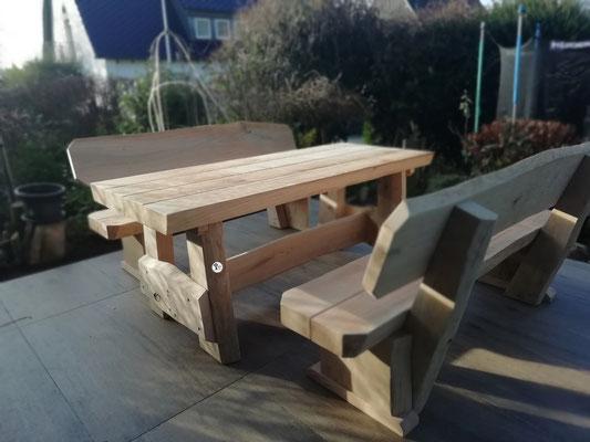 Rustikale Kinder Bank Tisch Garnitur aus massivem Holz