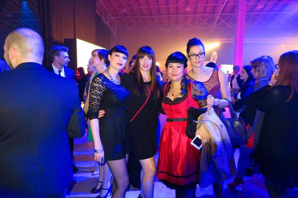 unser Team Christina, Theresa, Qiunan und Dorottheya ...