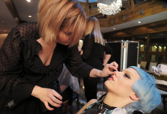 Make-Up - Nikola Hofmann