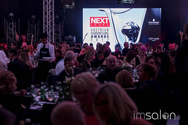 ... die Gäste sind da und die Gala beginnt ...