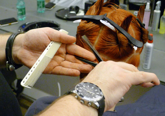 ... zur Basis gehören auch die richtigen Abteilungen für jeden Haarschnitt ...