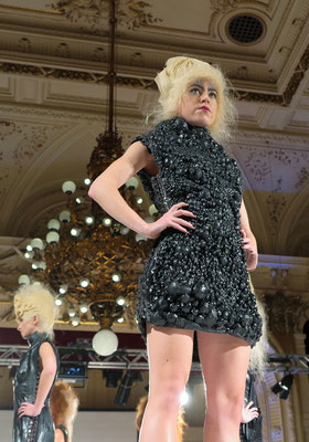 AVANTGARDE - Hair: Stefan Schedlberger - Styling: Claudia Behnke mit MARKO MITANOVSKI