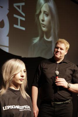 Stefan Schedlberger (Art Director) und Moderator der Show