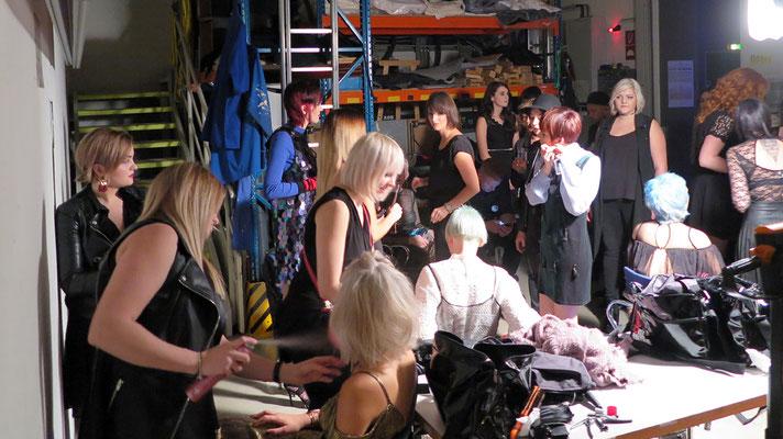 letzte Vorbereitungen - Backstage
