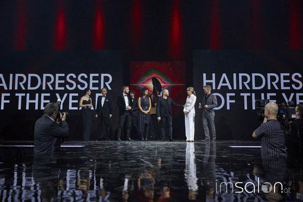 General Manager Henkel, Sonja Knautz und Andi Knoll begrüßen die Nominierten auf der Bühne