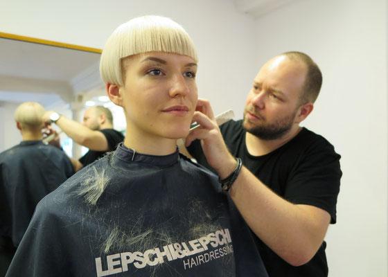 ... Haarschnitt!