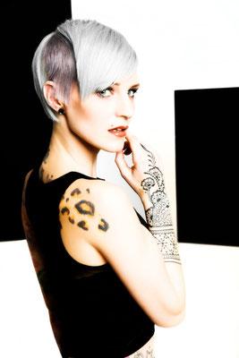 RÈGLAGE - collection 2016 - HAIR: Alexander Lepschi  I  Foto: Stefan Dokoupil  I  Styling: Claudia Behnke UK  l  Make-Up: Katharina Lenz, Vanessa Meixner und Nikola Hofmann