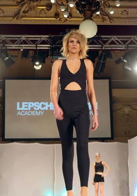 RunwayShow der Präsentationsmodels - HAIR: Alexander Lepschi