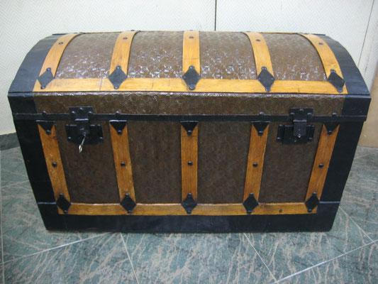 Restauración baúl de viaje. Mediados del siglo XIX