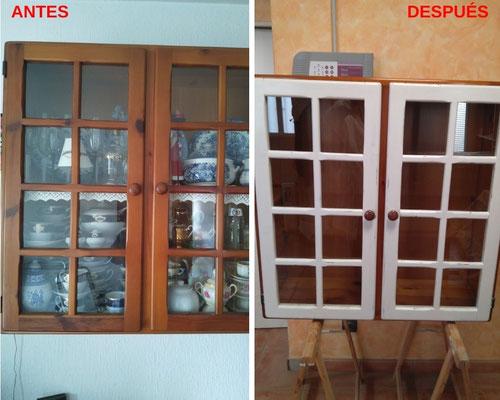 Restauración de vitrina con acabado a la tiza.