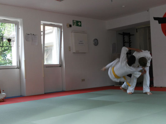 Jiu Jitsu - Selbstverteidigung - Kampfsport - Kampfkunst - Zen-Ki-Budo - Herne - Bochum - GelsenkirchenJiu Jitsu - Selbstverteidigung - Kampfsport - Kampfkunst - Zen-Ki-Budo - Herne - Bochum - Gelsenkirchen