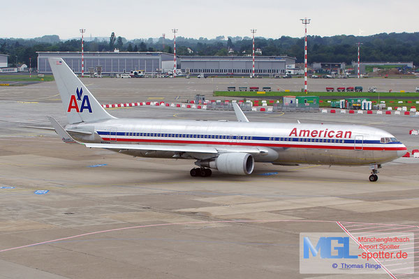 16.08.2014 N370AA American Airlines B767-323ER/W